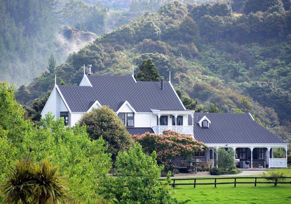 New Zealand Yoga Teacher Trainings Waipu