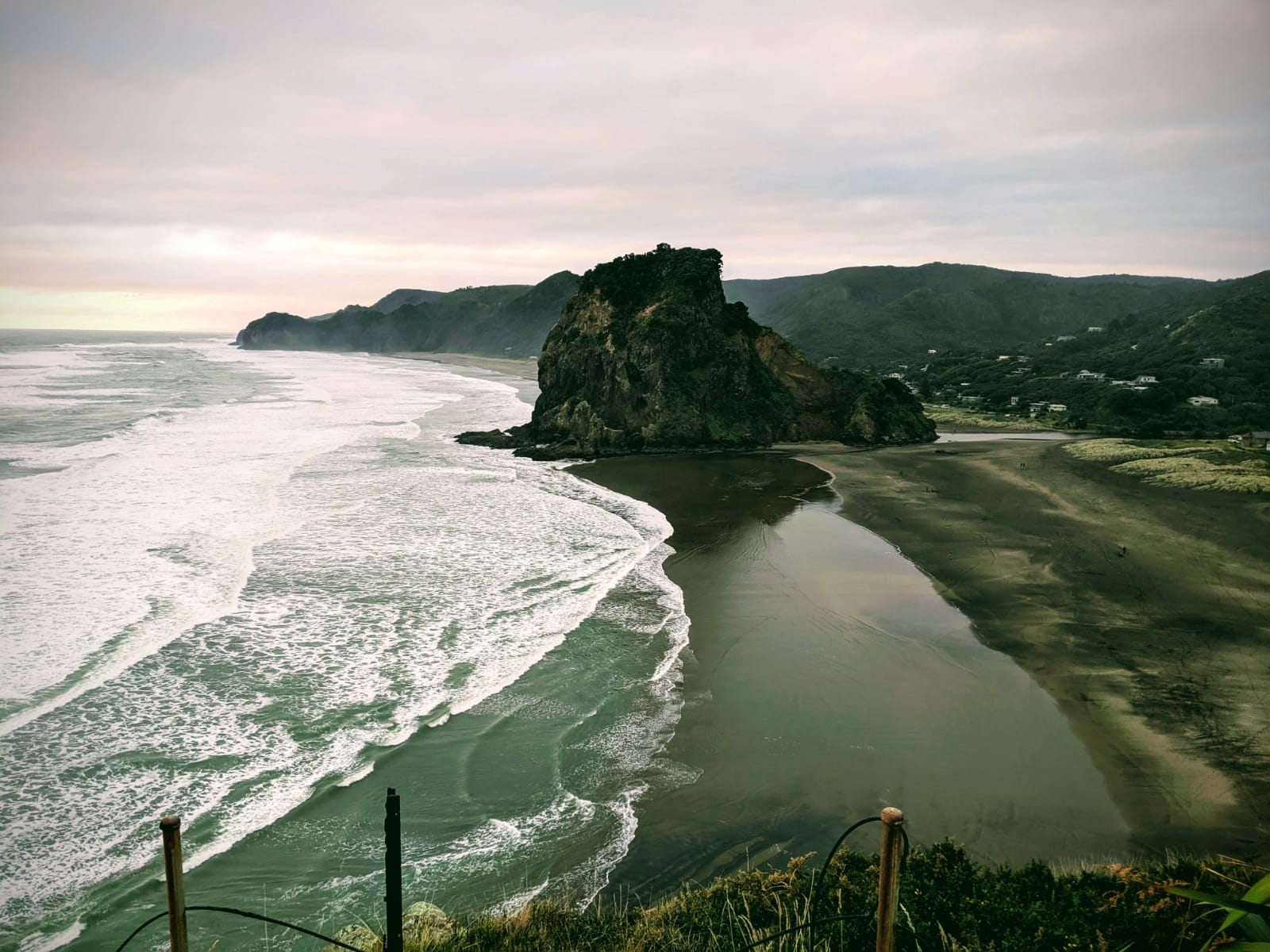Asia Pacific Yoga Teacher Training Piha Holiday Home 1.jpg Asia Pacific Yoga Teacher Training Piha Beach